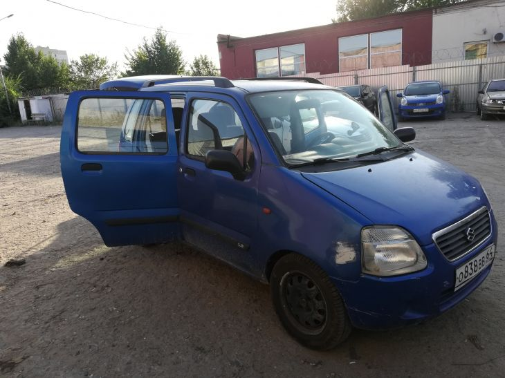 Suzuki Wagon R Plus  2000 Саратов Фотография 1